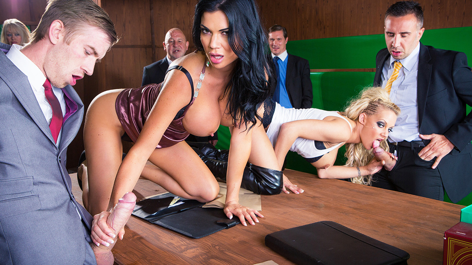Jasmine Jae and Loulou in Parliamentary Pussy