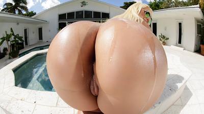 Big Wet Miami Booty