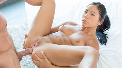 Beautiful Asian Trainer Loves Anal