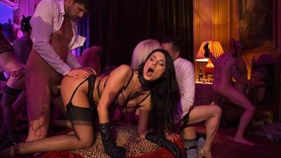 Luxurious orgy with Ania Kinski